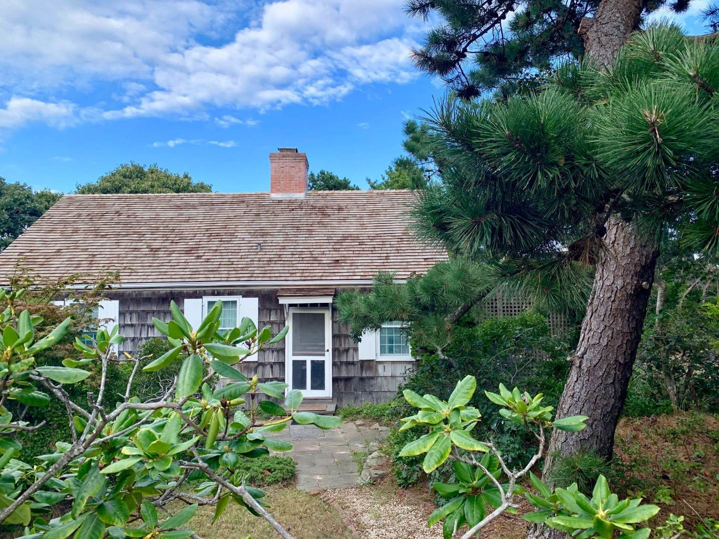 Single Family Home at Amagansett Dunes Cottage - Walk To Beach Amagansett, NY 11930