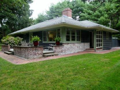 Single Family Home at Picture Perfect 3 Bdrm, 2bath Summer Rental With Sunsets East Hampton, NY 11937