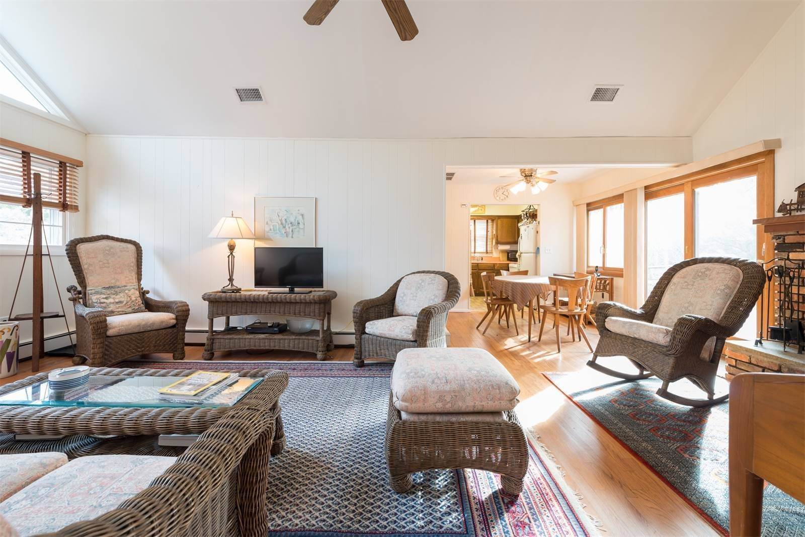 8. Single Family Home at Amagansett Dunes, Atlantic Ocean Is Down The Road Amagansett, NY 11930