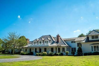 Single Family Home at One Of A Kind Estate 1 Green Hollow Road, East Hampton, NY 11937