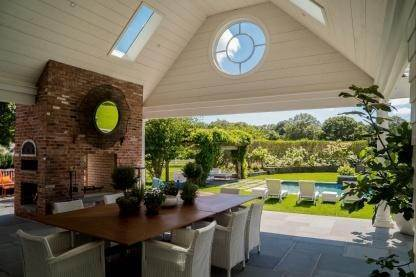 4. Single Family Home at One Of A Kind Estate 1 Green Hollow Road, East Hampton, NY 11937