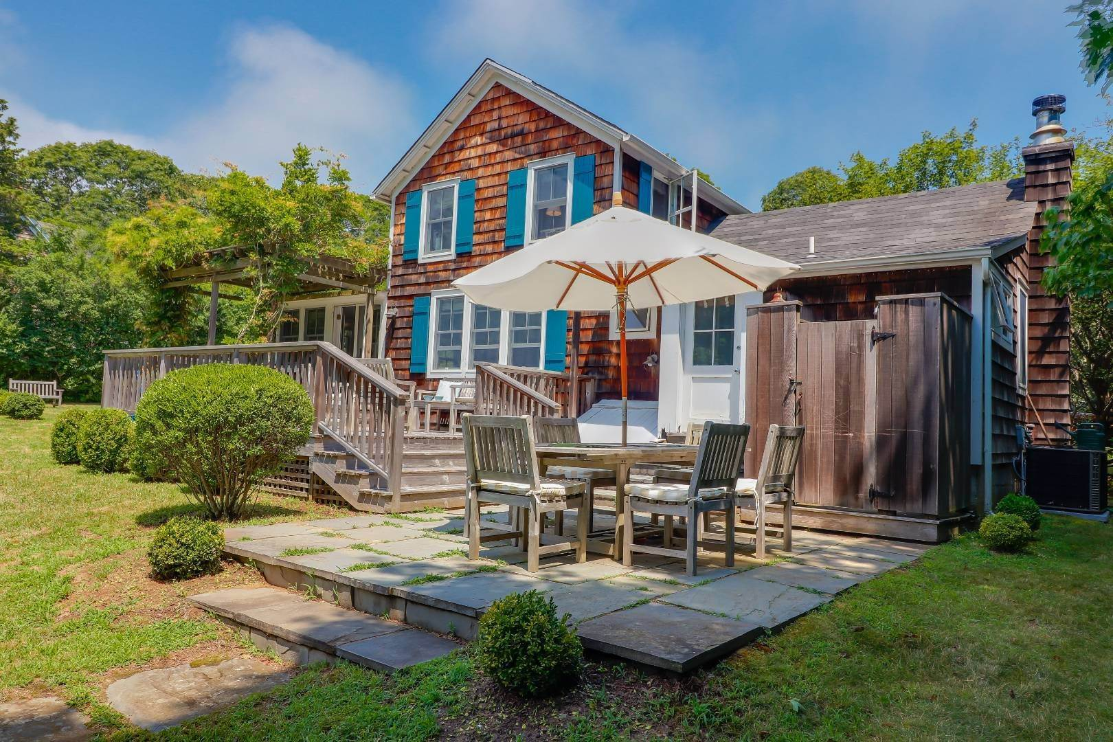 5. Single Family Home at Charm And Convenience In Amagansett 532 Abrahams Path, East Hampton, NY 11930