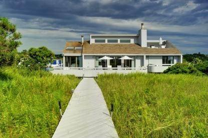 3. Single Family Home at Amagansett Oceanfront 271 Marine Blvd, Amagansett, NY 11930