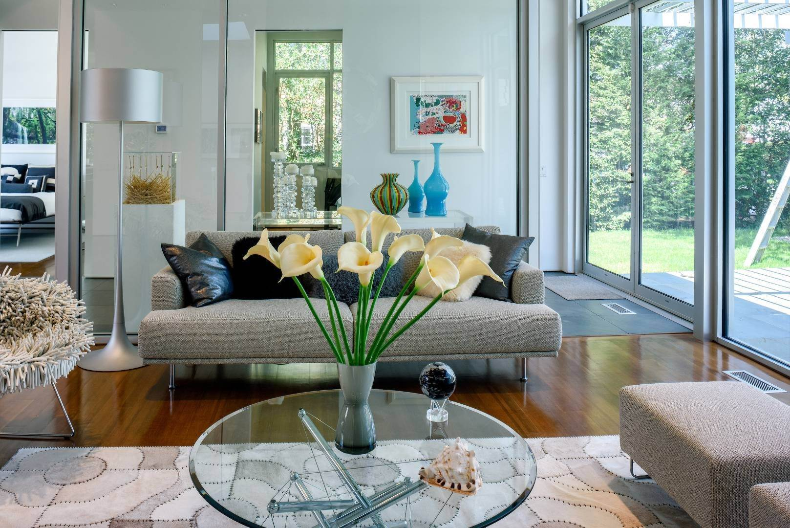 6. Single Family Home at Exquisitely Designed Modern East Hampton, NY 11937