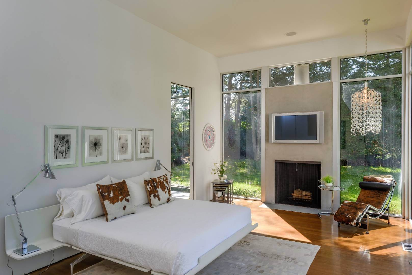 11. Single Family Home at Exquisitely Designed Modern East Hampton, NY 11937