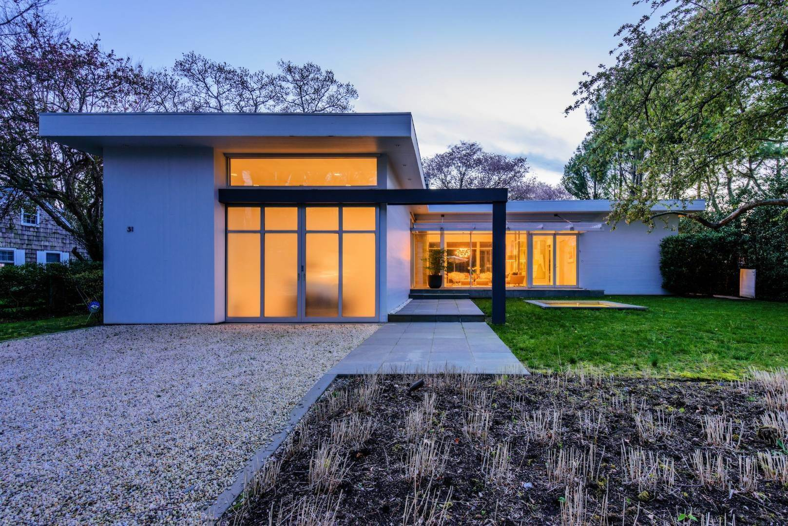 22. Single Family Home at Exquisitely Designed Modern East Hampton, NY 11937
