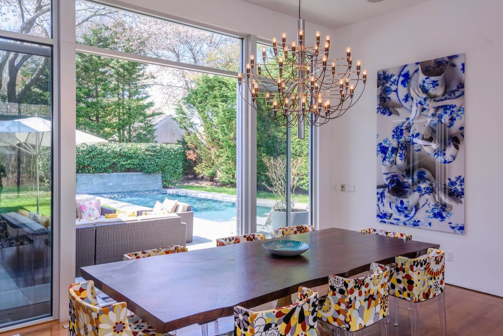 8. Single Family Home at Exquisitely Designed Modern East Hampton, NY 11937