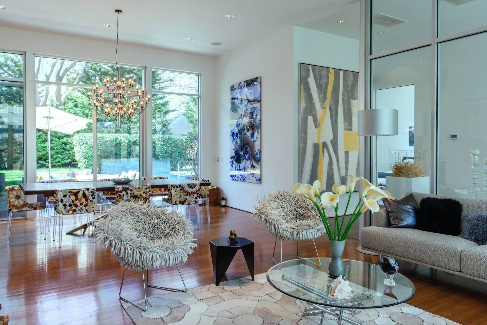5. Single Family Home at Exquisitely Designed Modern East Hampton, NY 11937