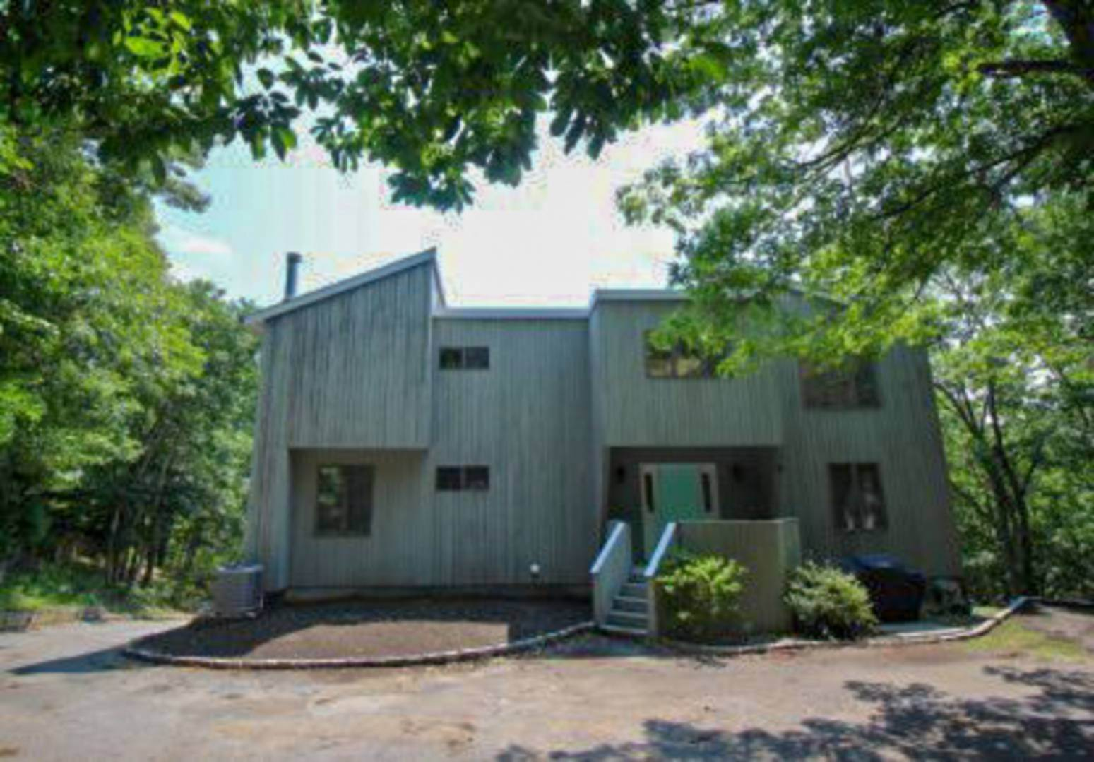 16. Single Family Home at Sag Harbor 4 Bedroom Close To Long Beach! Sag Harbor, NY 11963