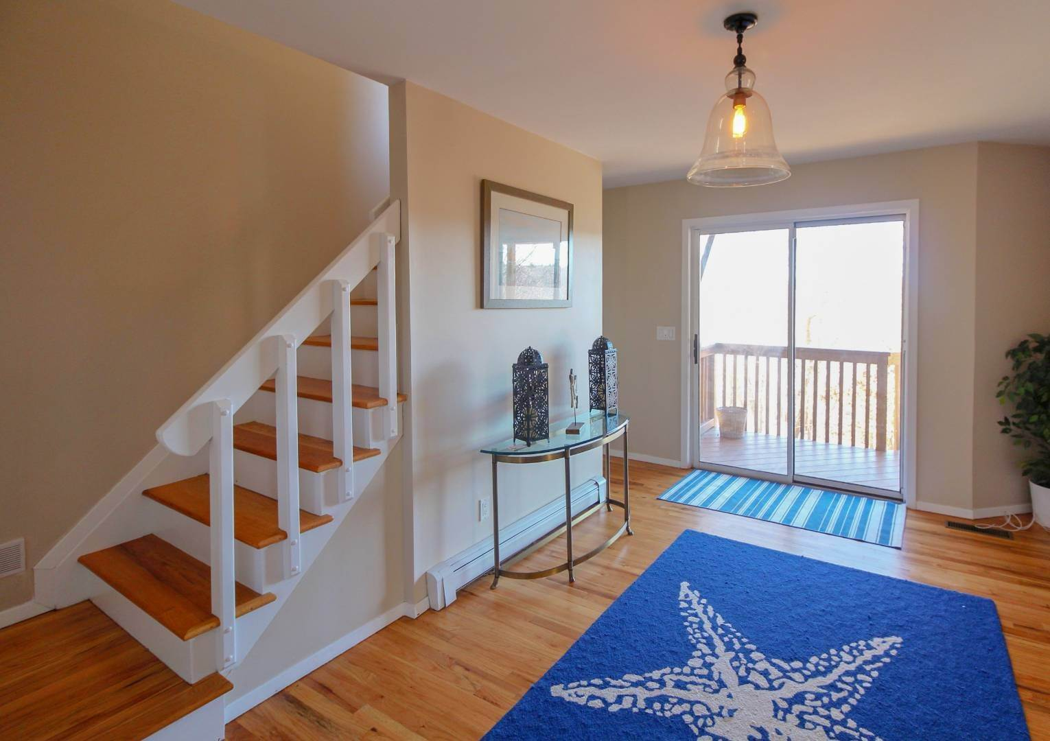 9. Single Family Home at Sag Harbor 4 Bedroom Close To Long Beach! Sag Harbor, NY 11963
