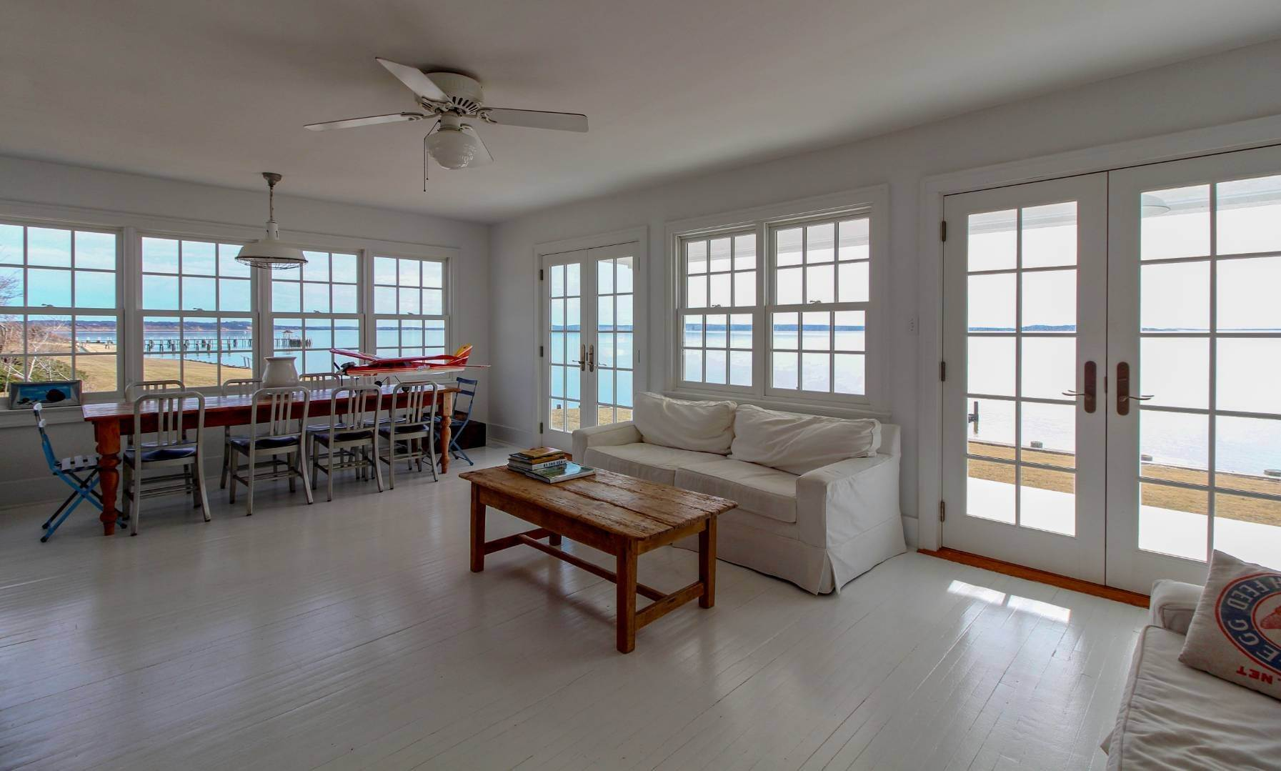 9. Single Family Home at Shelter Island Perfect Silver Beach Cottage Shelter Island Heights, NY 11964