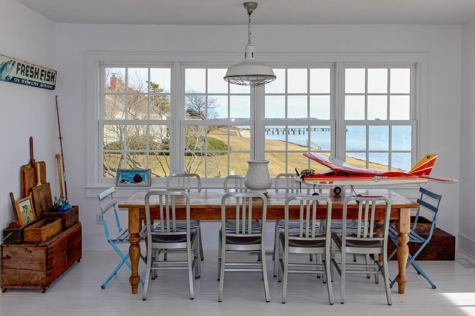 5. Single Family Home at Shelter Island Perfect Silver Beach Cottage Shelter Island Heights, NY 11964