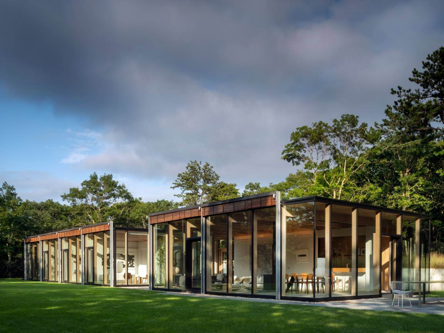 2. Single Family Home at Modern Glass House With Grace, Style And Warmth 184 Red Dirt Road, East Hampton, NY 11937