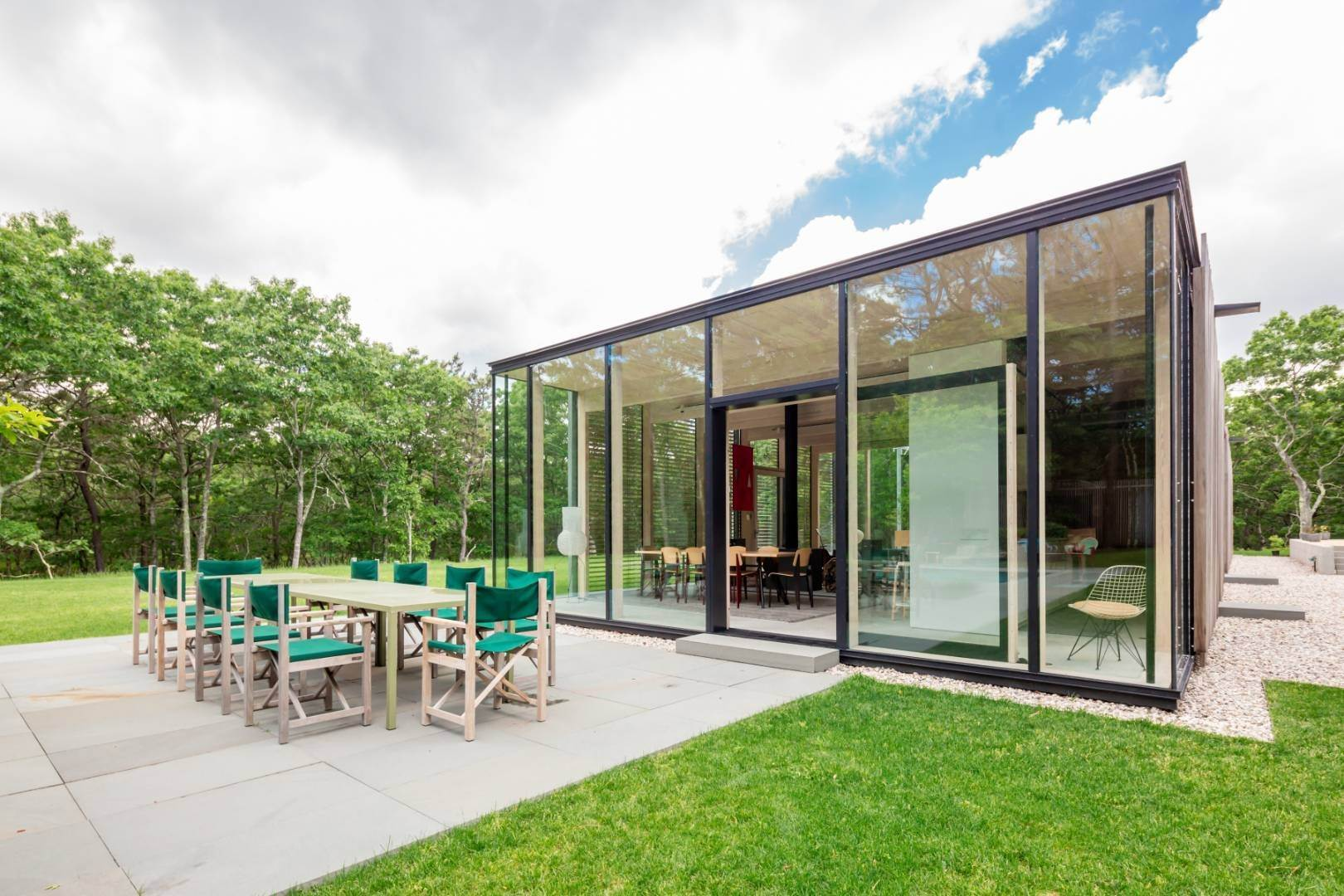 18. Single Family Home at Modern Glass House With Grace, Style And Warmth 184 Red Dirt Road, East Hampton, NY 11937
