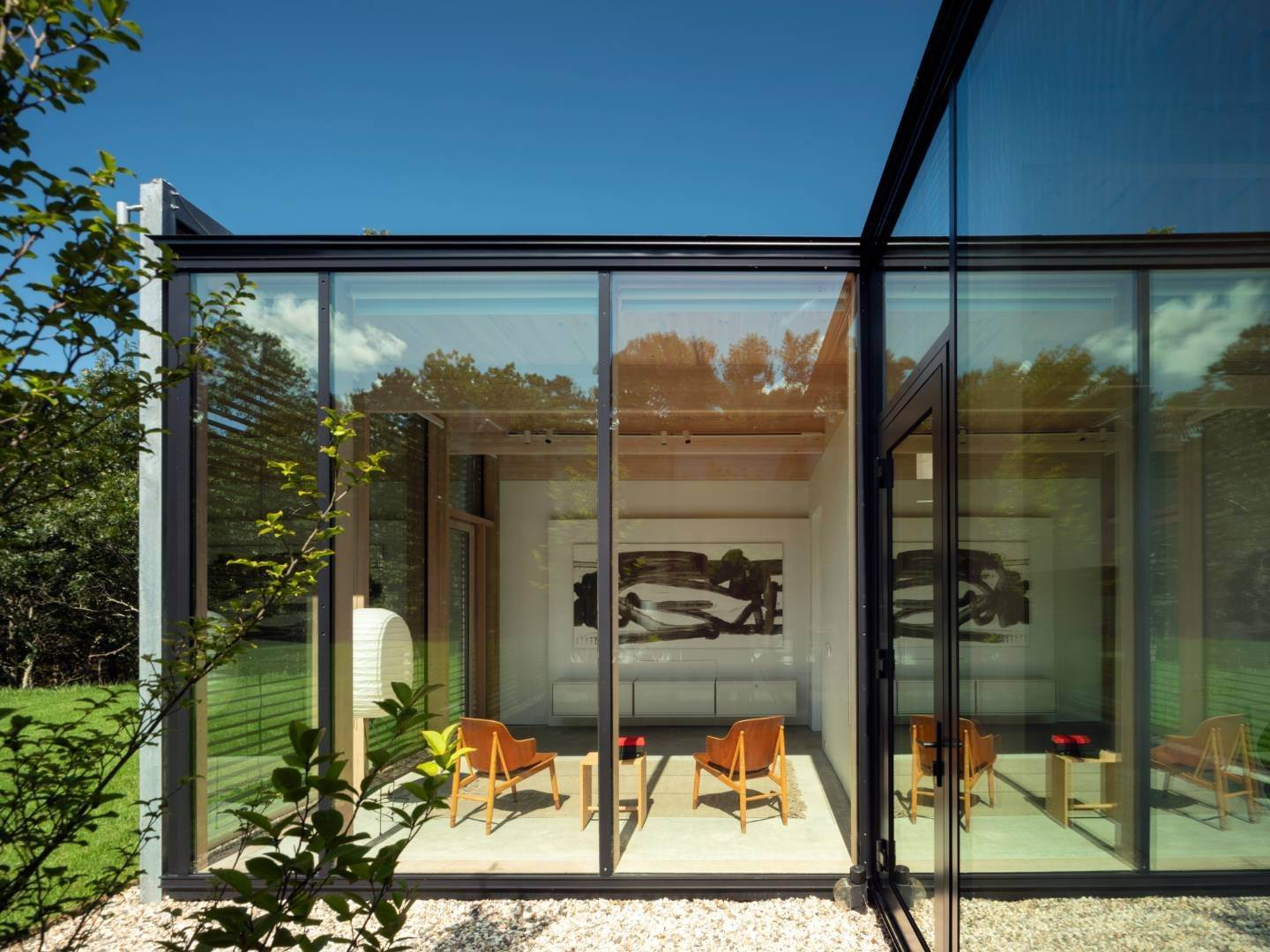 23. Single Family Home at Modern Glass House With Grace, Style And Warmth 184 Red Dirt Road, East Hampton, NY 11937