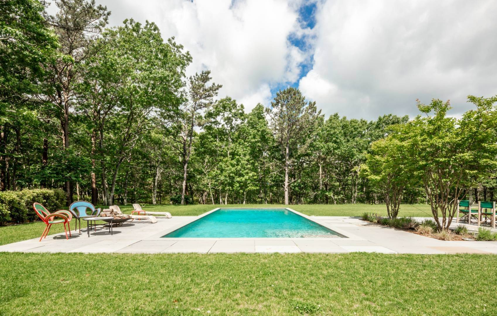 20. Single Family Home at Modern Glass House With Grace, Style And Warmth 184 Red Dirt Road, East Hampton, NY 11937