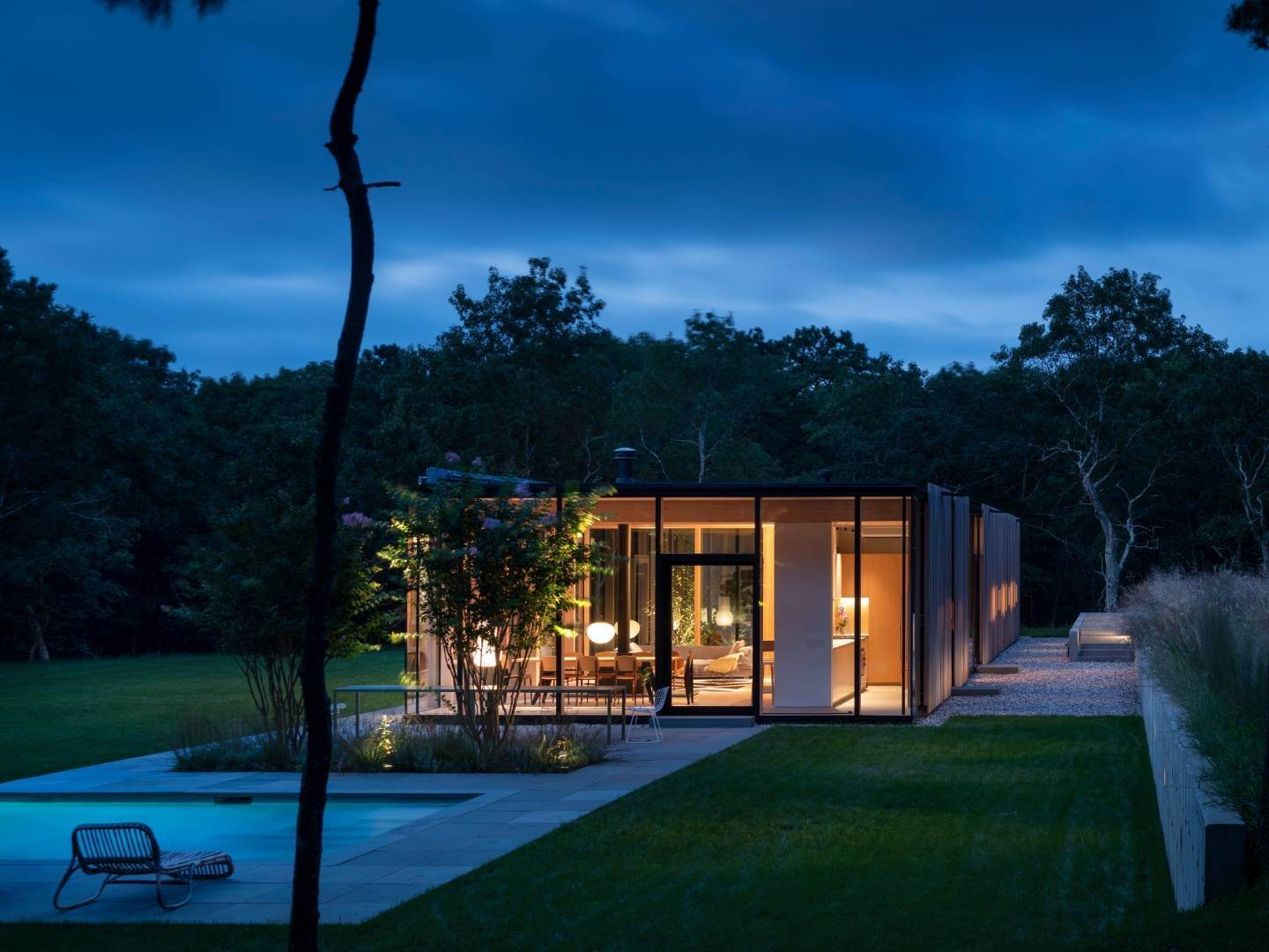 25. Single Family Home at Modern Glass House With Grace, Style And Warmth 184 Red Dirt Road, East Hampton, NY 11937