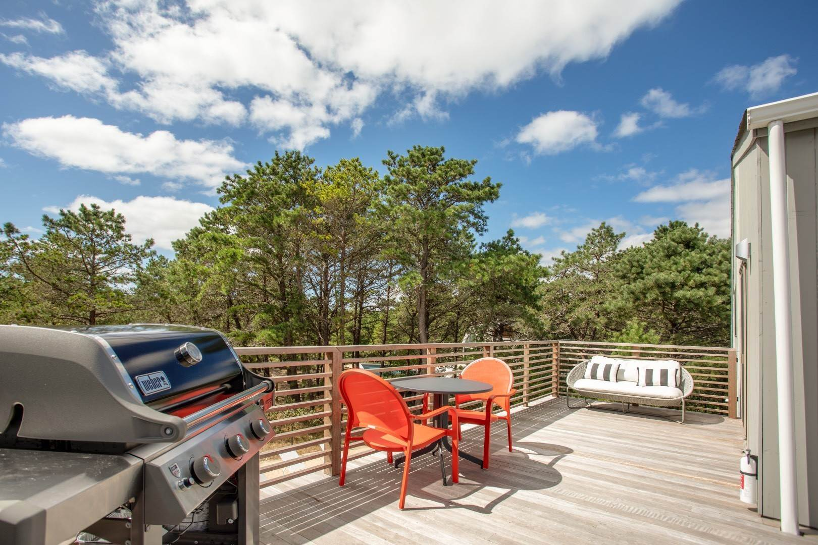 27. Single Family Home at Dunes Beach House With Pool Close To Ocean Napeague, NY 11930