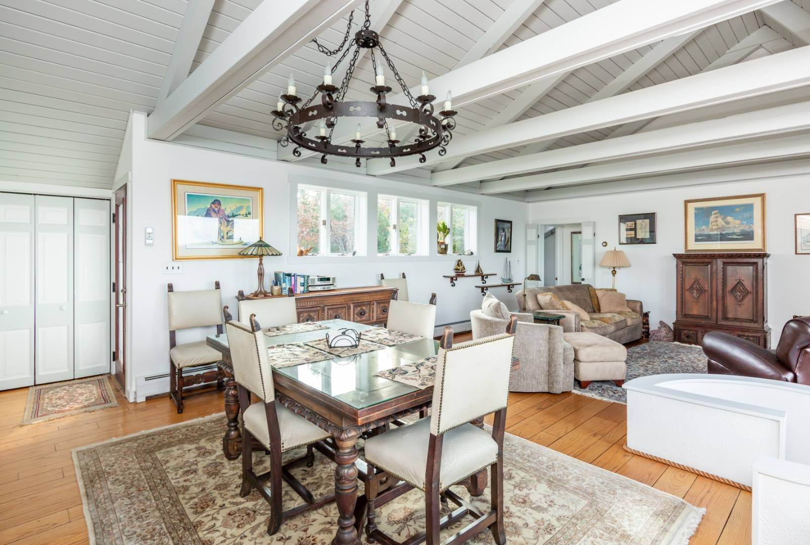 3. Single Family Home at Waterfront On Fort Pond Bay Montauk, NY 11954