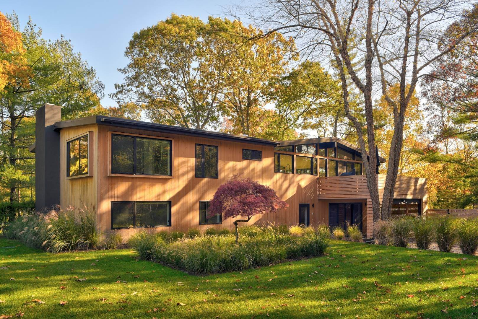 7. Single Family Home at Smart Modern Living East Hampton, NY 11937