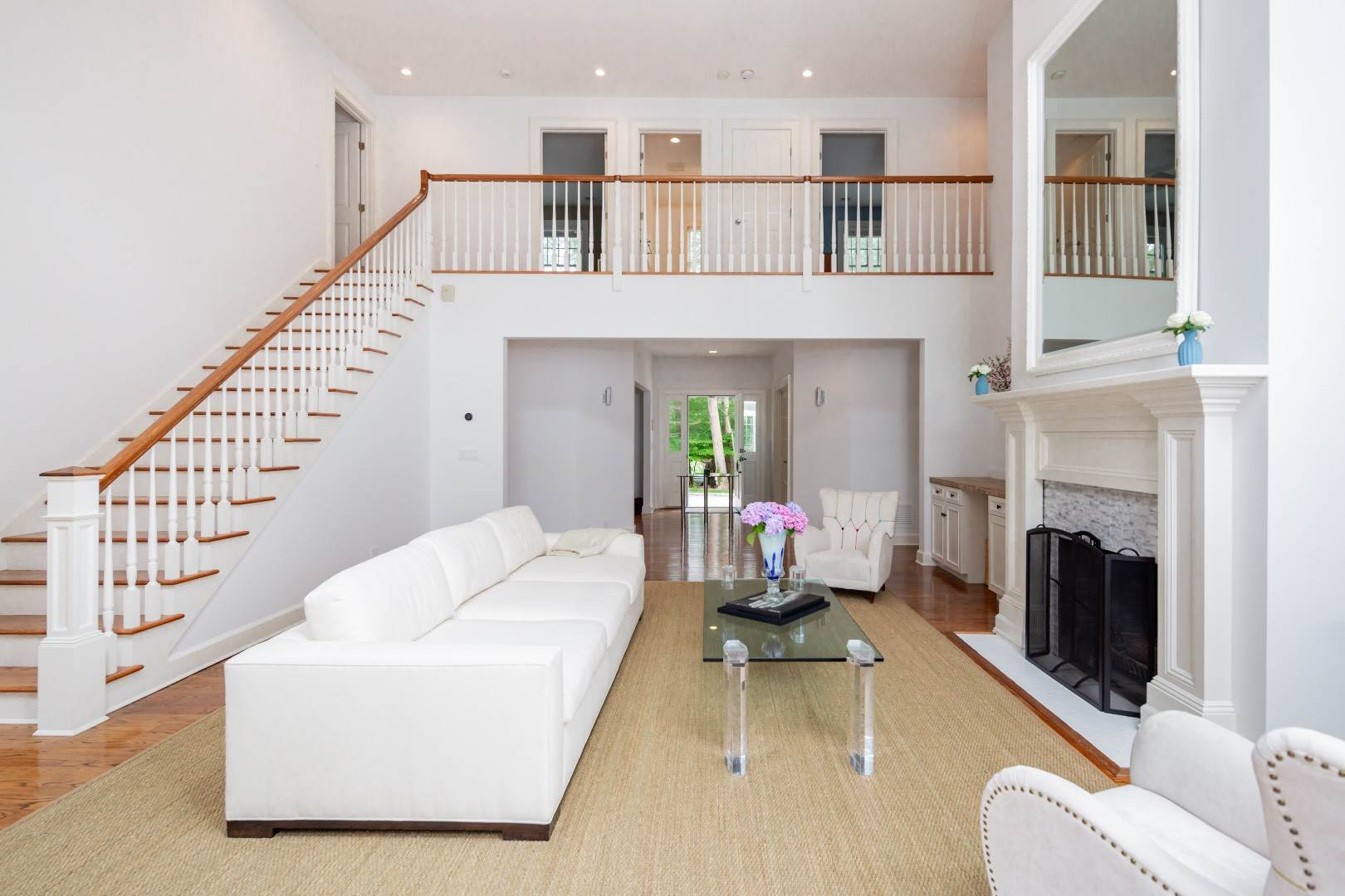 6. Single Family Home at Elegant East Hampton Traditional 3 Addie Conklin Lane, East Hampton, NY 11937