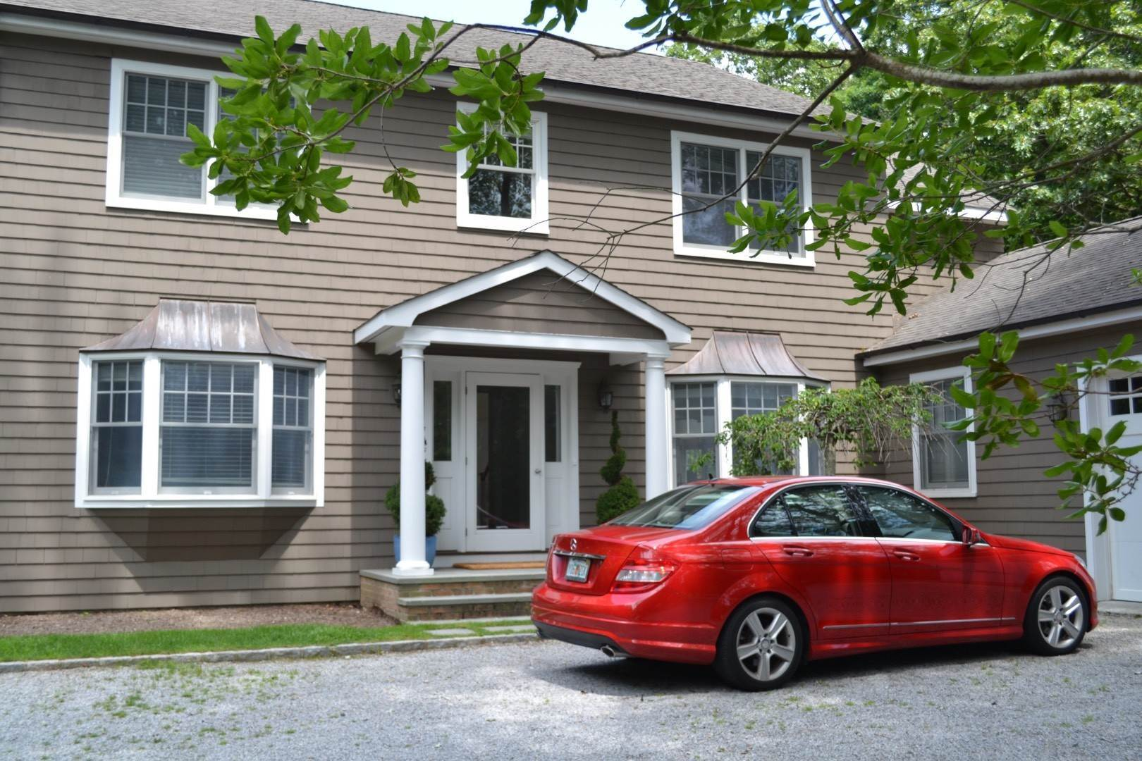 30. Single Family Home at Elegant East Hampton Traditional 3 Addie Conklin Lane, East Hampton, NY 11937