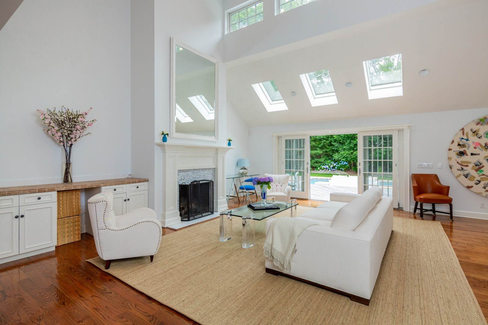 5. Single Family Home at Elegant East Hampton Traditional 3 Addie Conklin Lane, East Hampton, NY 11937