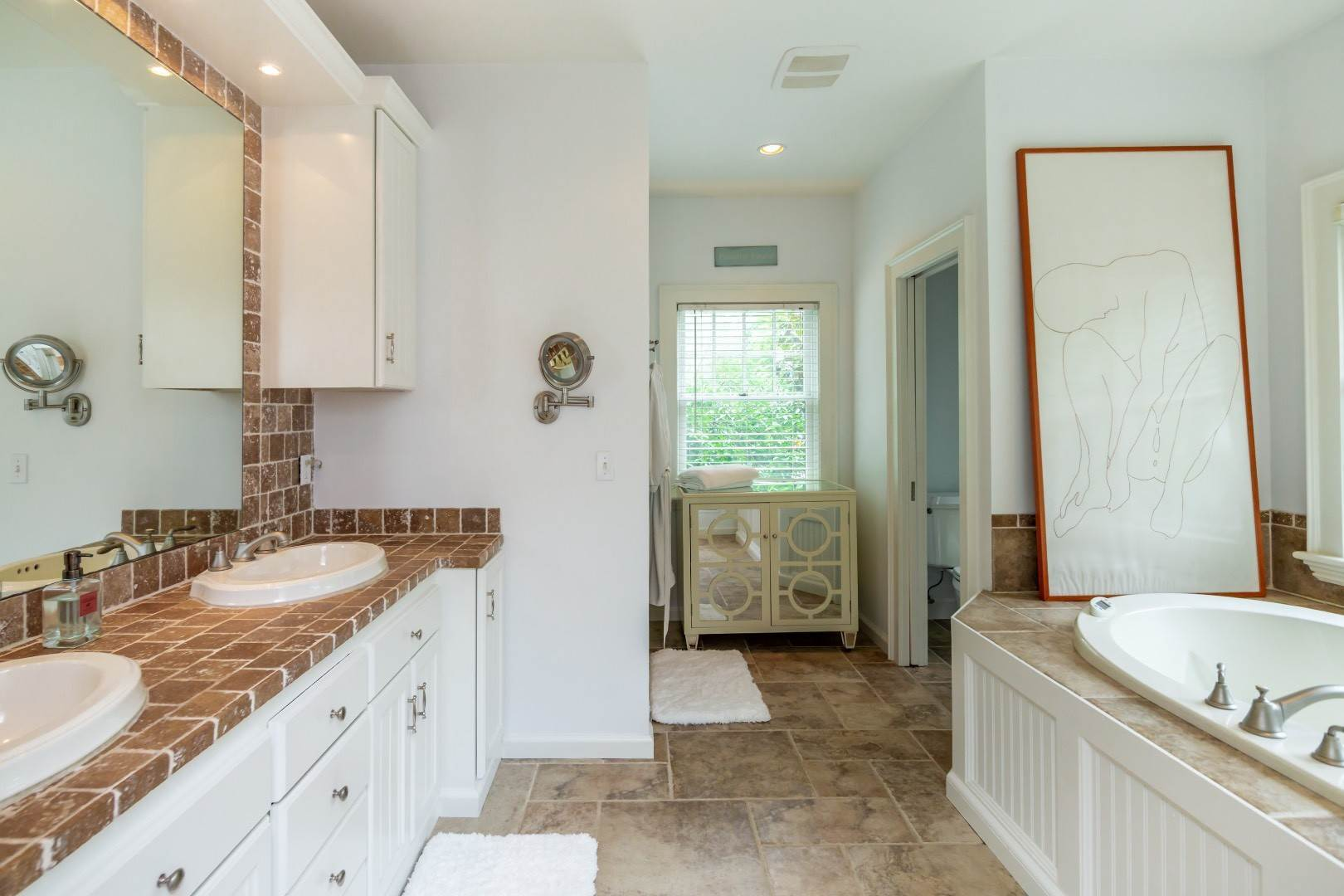 14. Single Family Home at Elegant East Hampton Traditional 3 Addie Conklin Lane, East Hampton, NY 11937