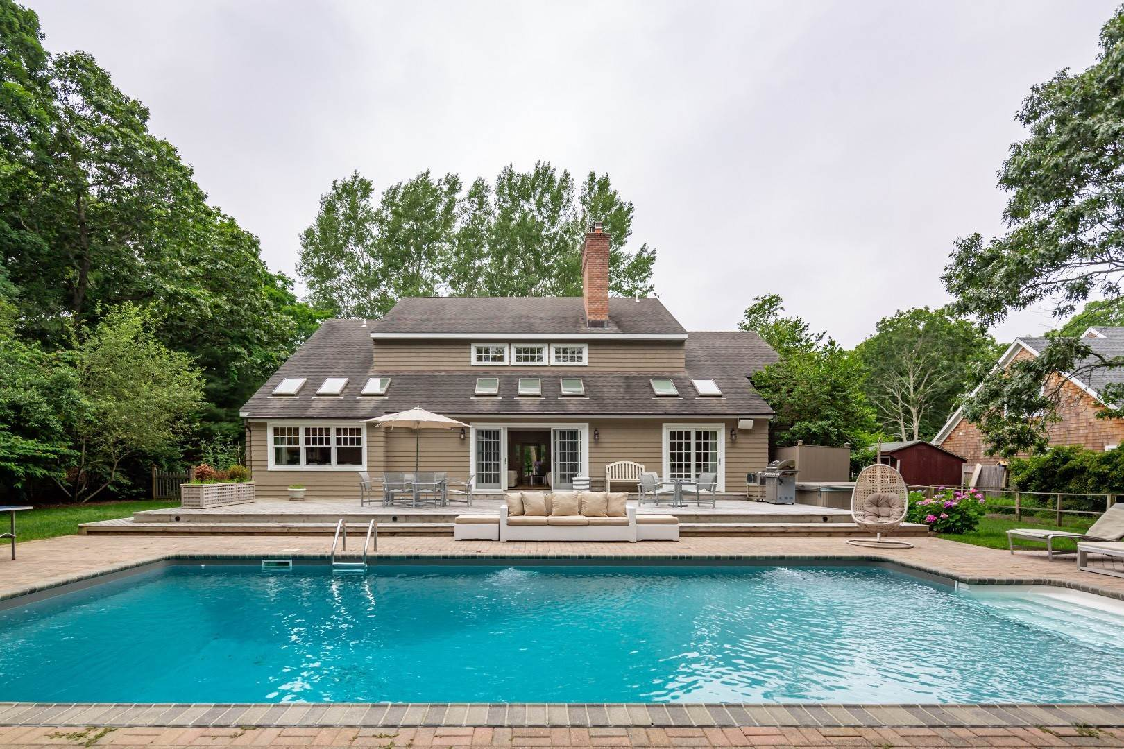23. Single Family Home at Elegant East Hampton Traditional 3 Addie Conklin Lane, East Hampton, NY 11937