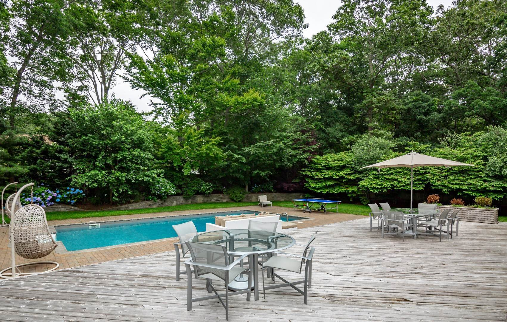 26. Single Family Home at Elegant East Hampton Traditional 3 Addie Conklin Lane, East Hampton, NY 11937