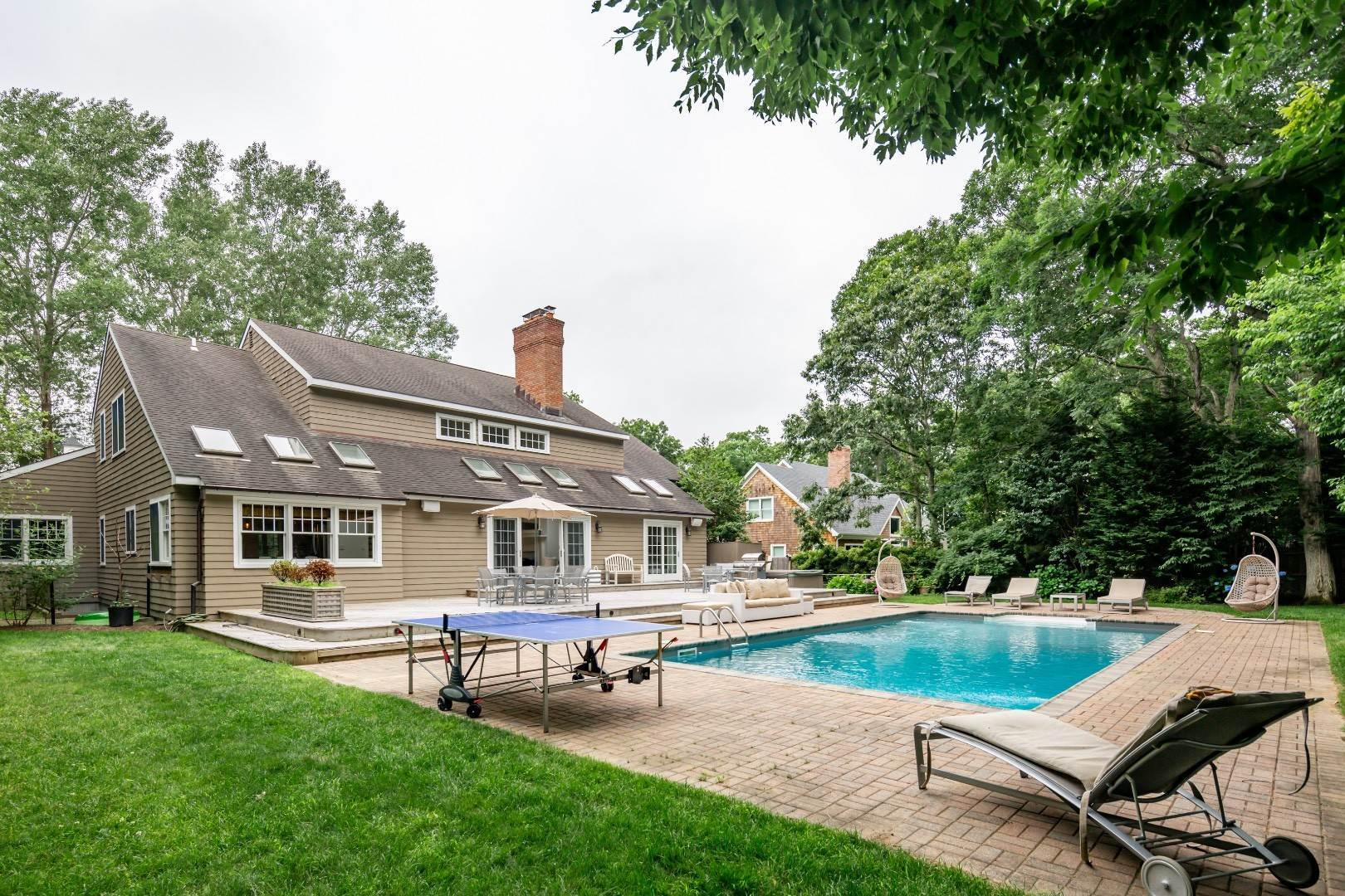 24. Single Family Home at Elegant East Hampton Traditional 3 Addie Conklin Lane, East Hampton, NY 11937