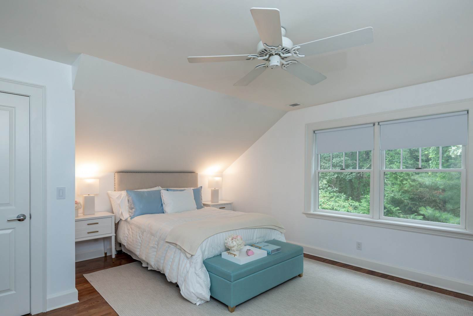 15. Single Family Home at Elegant East Hampton Traditional 3 Addie Conklin Lane, East Hampton, NY 11937