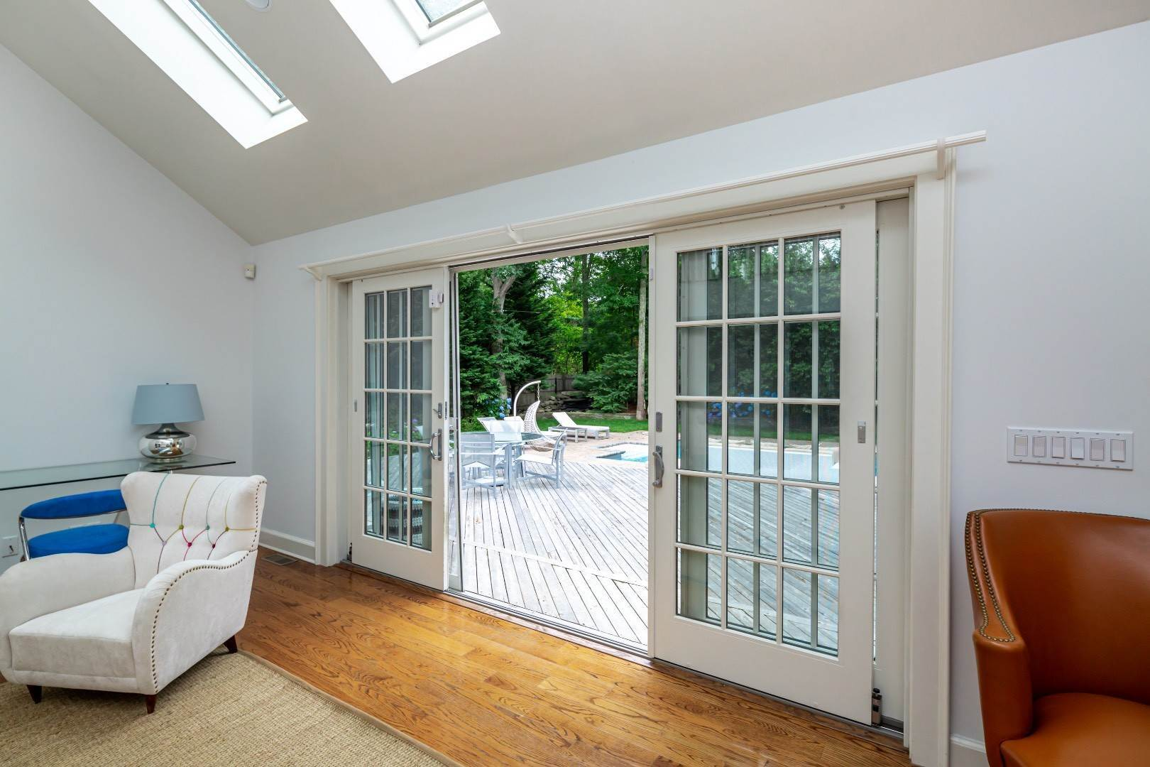 7. Single Family Home at Elegant East Hampton Traditional 3 Addie Conklin Lane, East Hampton, NY 11937