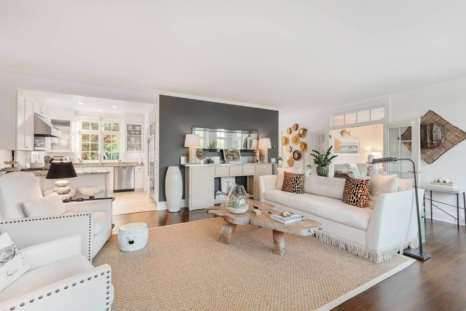4. Single Family Home at Pristine Beach House Moments To The Ocean Amagansett, NY 11930