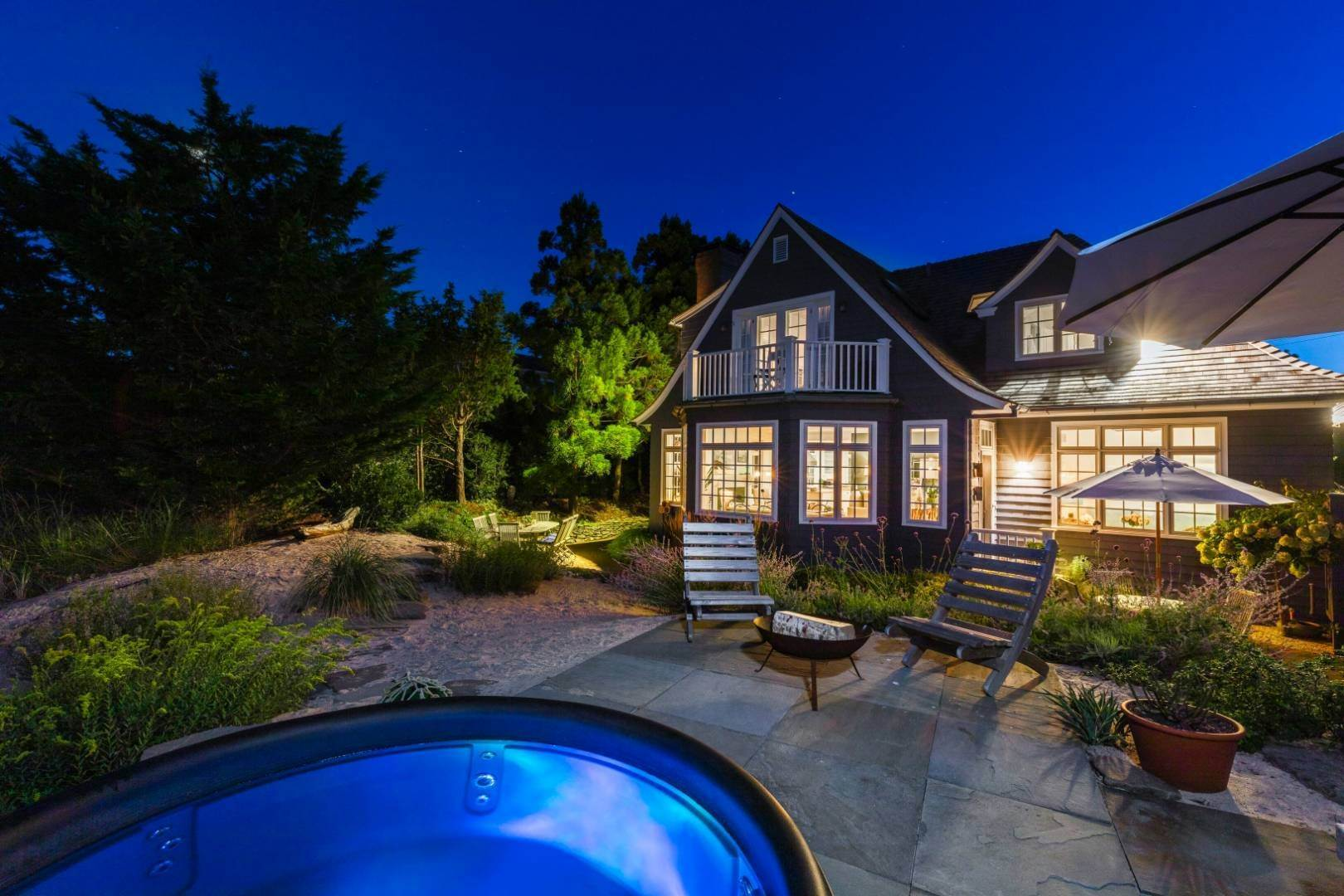 20. Single Family Home at Pristine Beach House Moments To The Ocean Amagansett, NY 11930