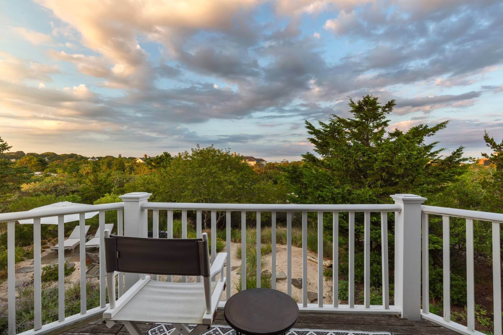13. Single Family Home at Pristine Beach House Moments To The Ocean Amagansett, NY 11930