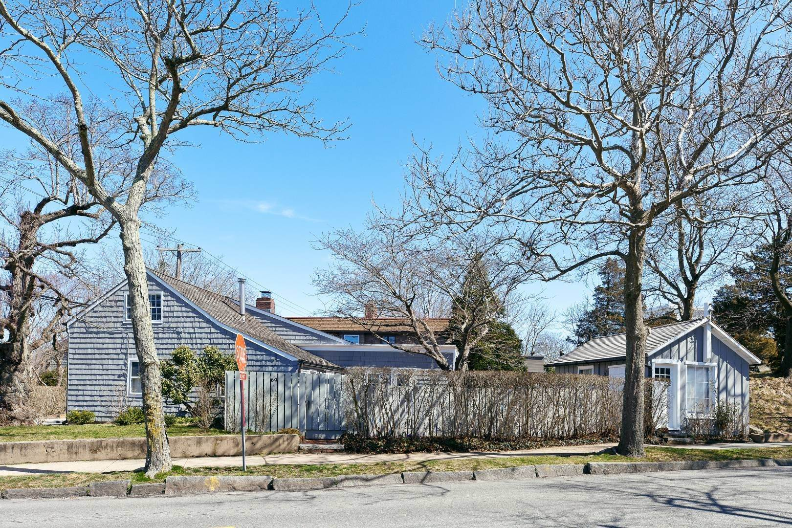 7. Single Family Home for Sale at Sag Harbor, NY 11963