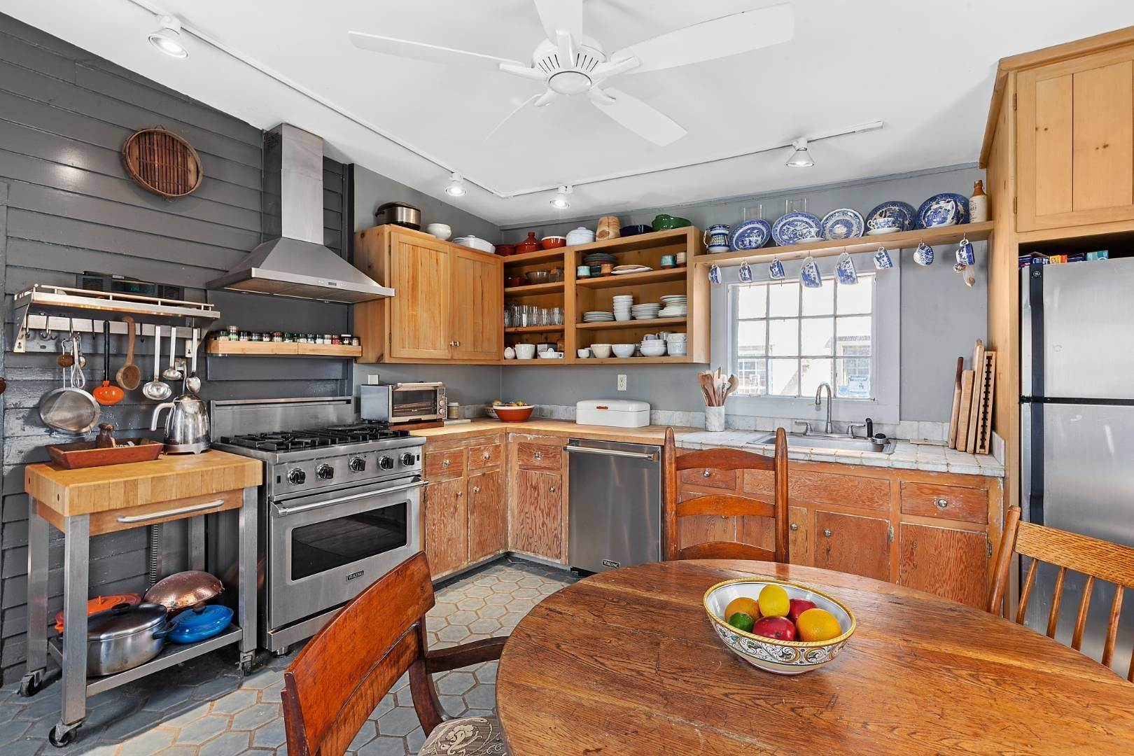 5. Single Family Home for Sale at Sag Harbor, NY 11963