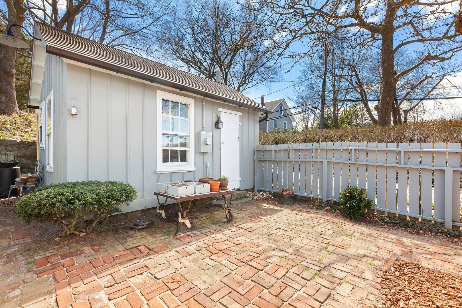 8. Single Family Home for Sale at Sag Harbor, NY 11963