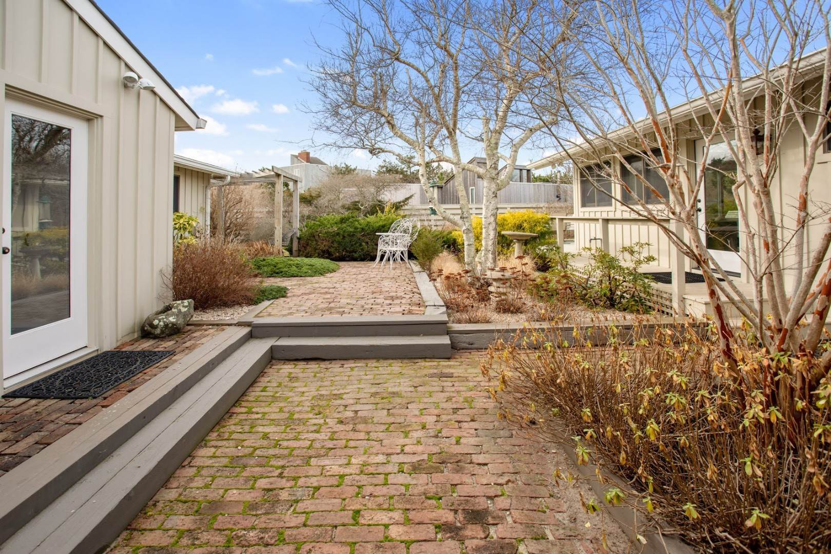 3. Single Family Home at Summer In The Dunes Amagansett, NY 11930