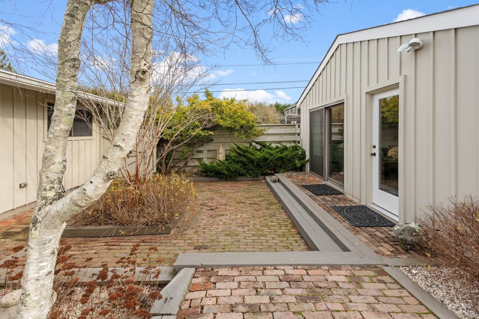 22. Single Family Home at Summer In The Dunes Amagansett, NY 11930