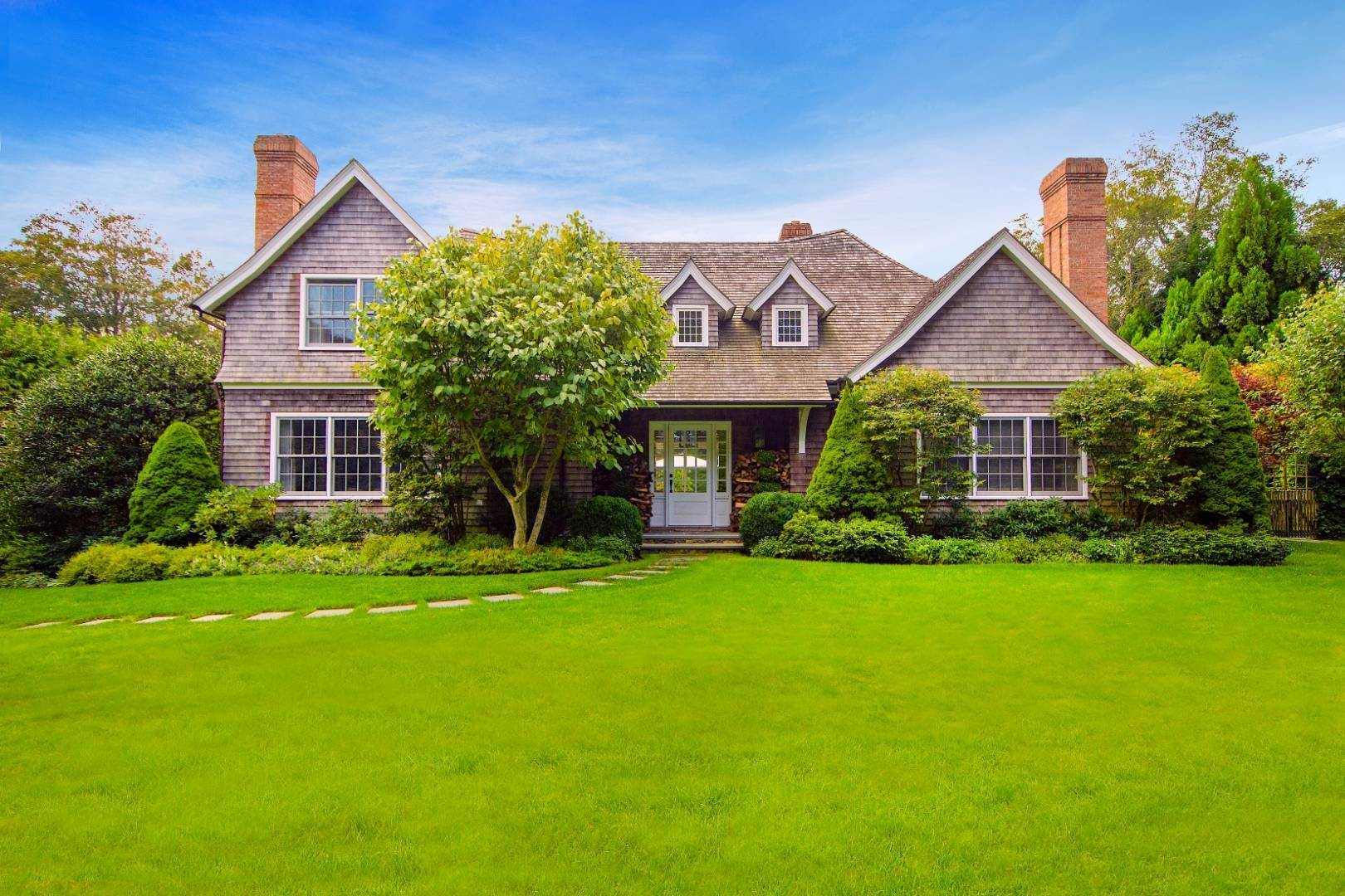 Single Family Home por un Venta en Prime Village South Location 67 Huntting Lane, East Hampton, NY 11937