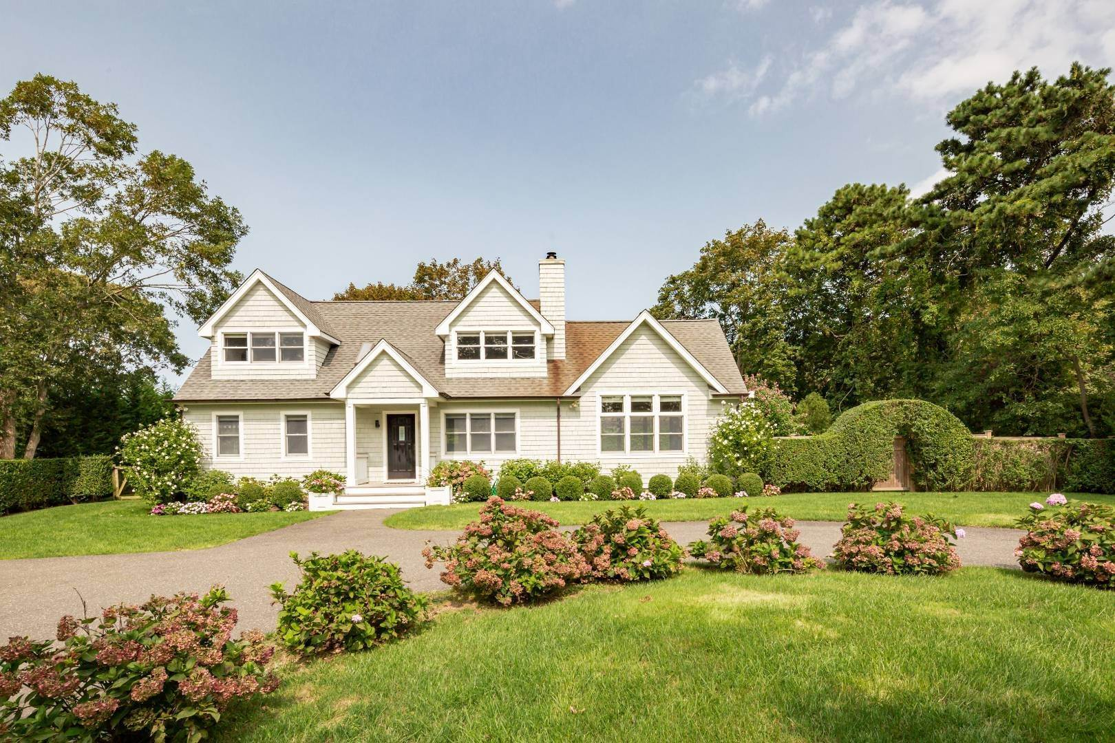 Single Family Home for Sale at Southampton New To The Market 31 Highland Road, Southampton, NY 11968