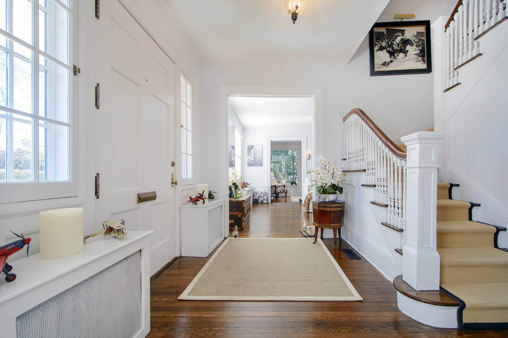 8. Single Family Home at Classic Herrick Road Home With Pool 75 Herrick Road, Southampton, NY 11968