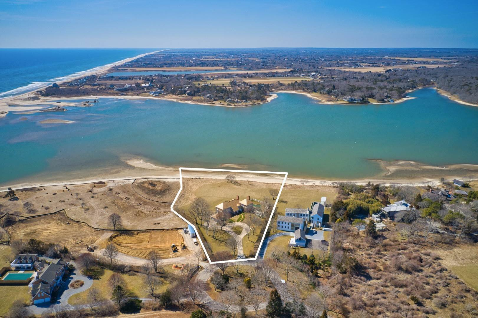 3. Single Family Home at New Renovation On Georgica Pond 24 Chauncey Close Rd, East Hampton, NY 11937