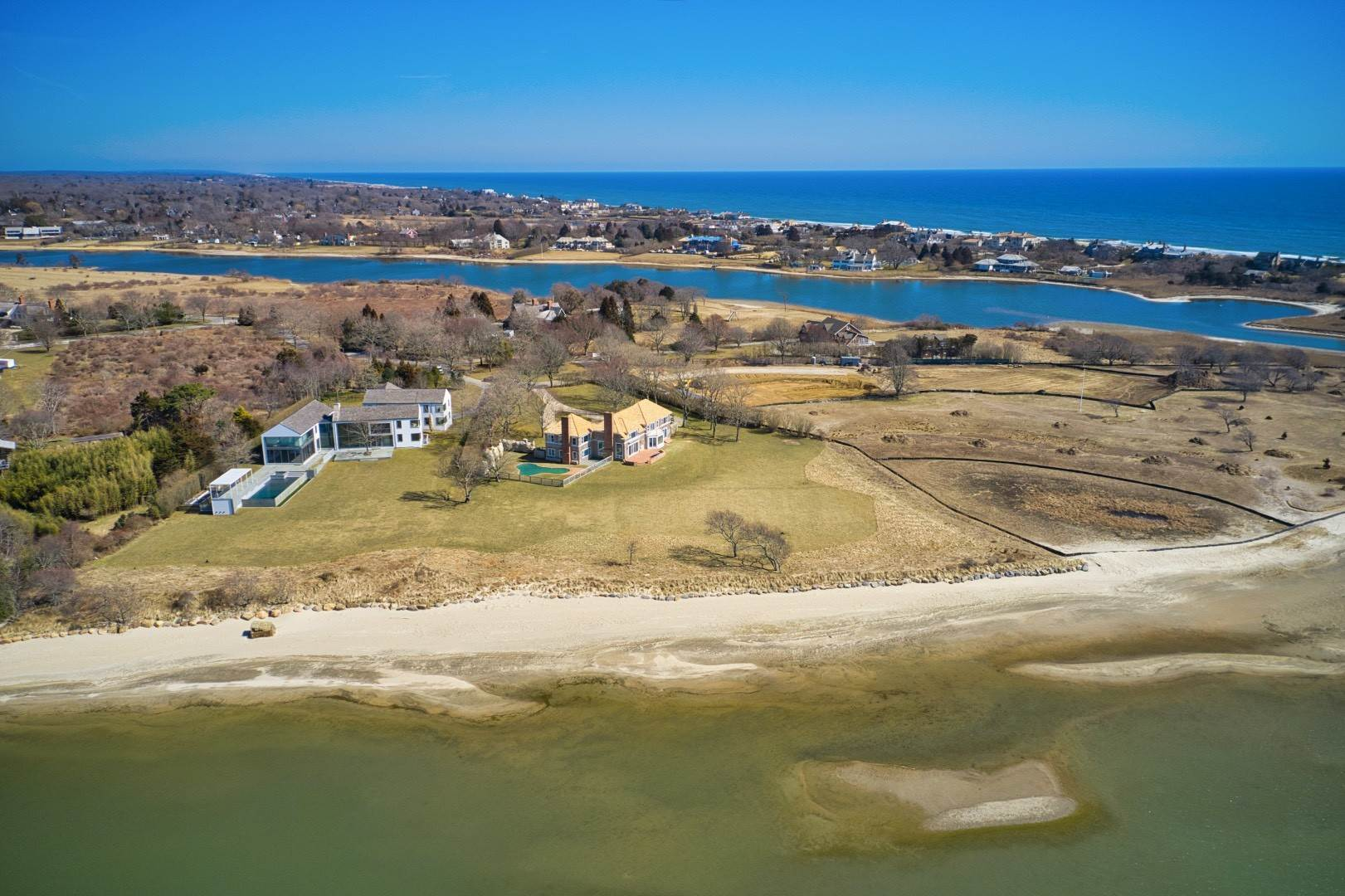 4. Single Family Home at New Renovation On Georgica Pond 24 Chauncey Close Rd, East Hampton, NY 11937
