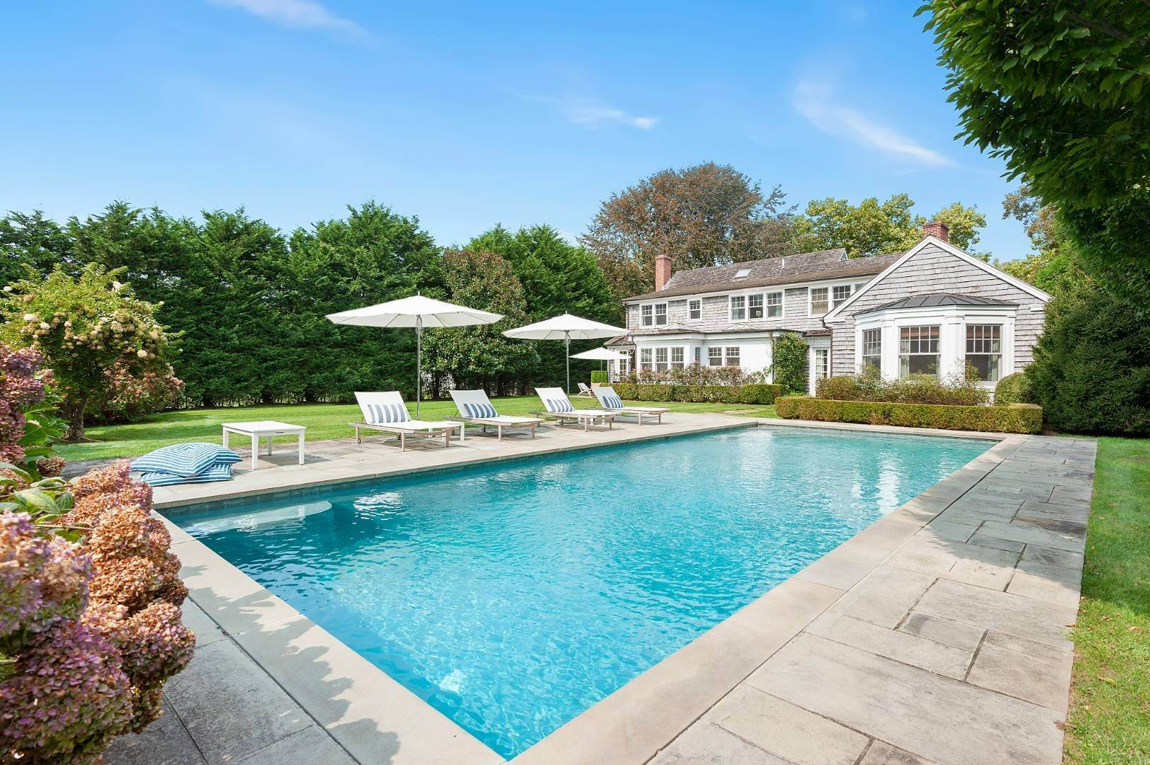 Single Family Home for Sale at Southampton Village Traditional 84 Anns Lane, Southampton, NY 11968