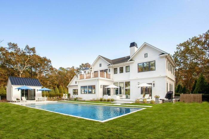 Single Family Home at Stunning Wainscott New Construction Wainscott, NY 11975