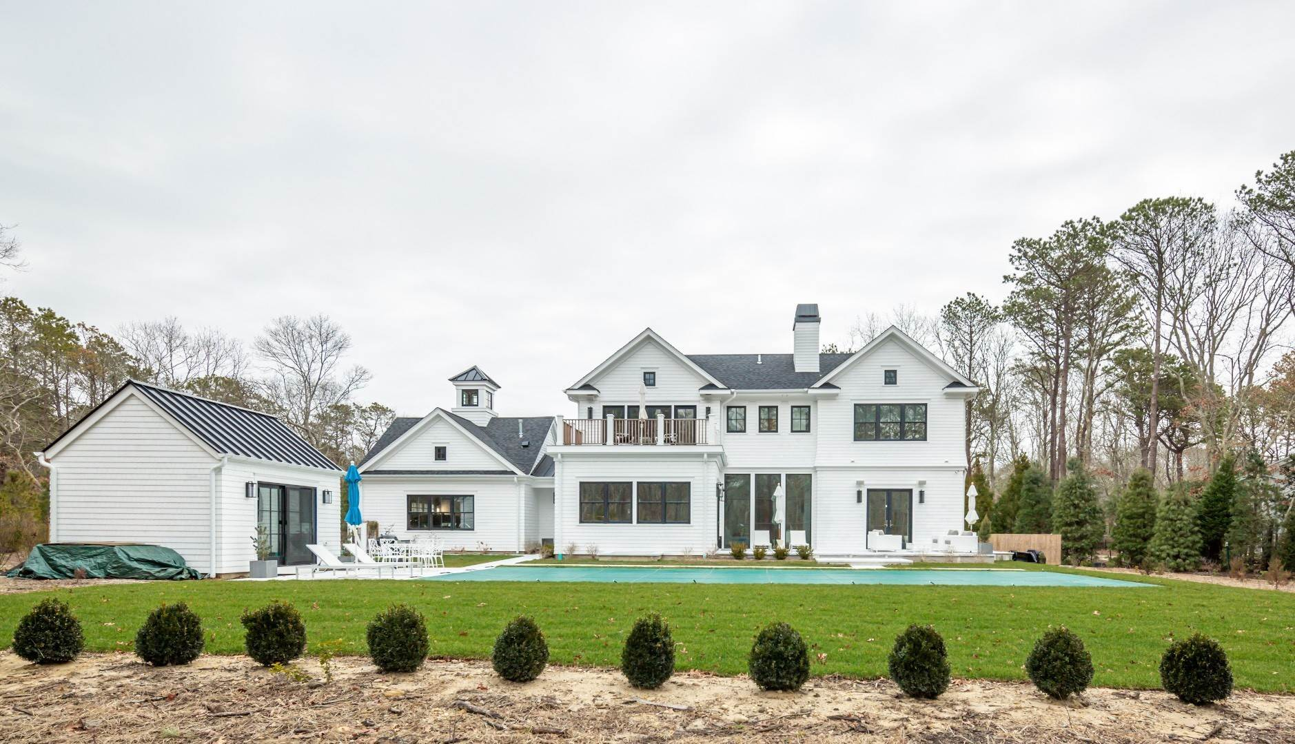 31. Single Family Home at Stunning Wainscott New Construction Wainscott, NY 11975