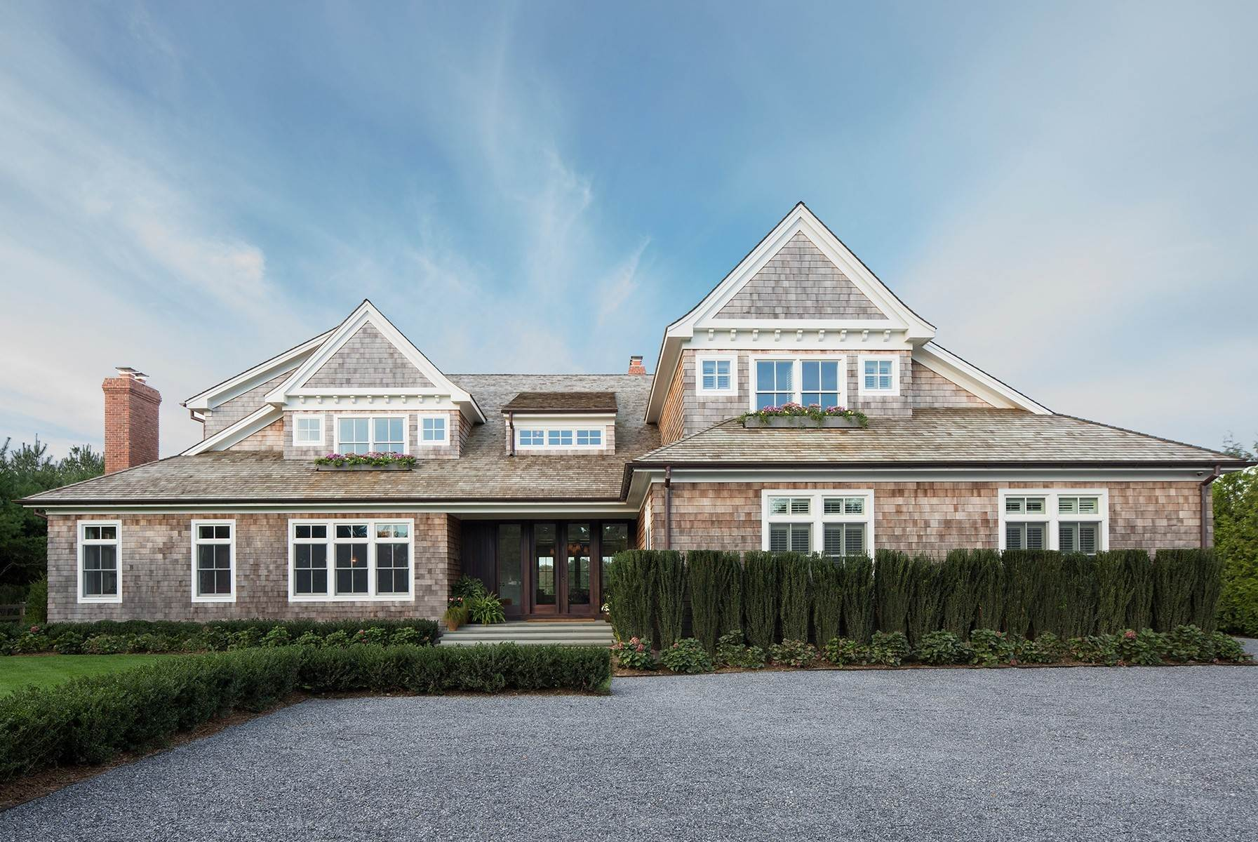 3. Single Family Home at Bridgehampton South Masterpiece 38 West Pond Drive, Bridgehampton, NY 11932